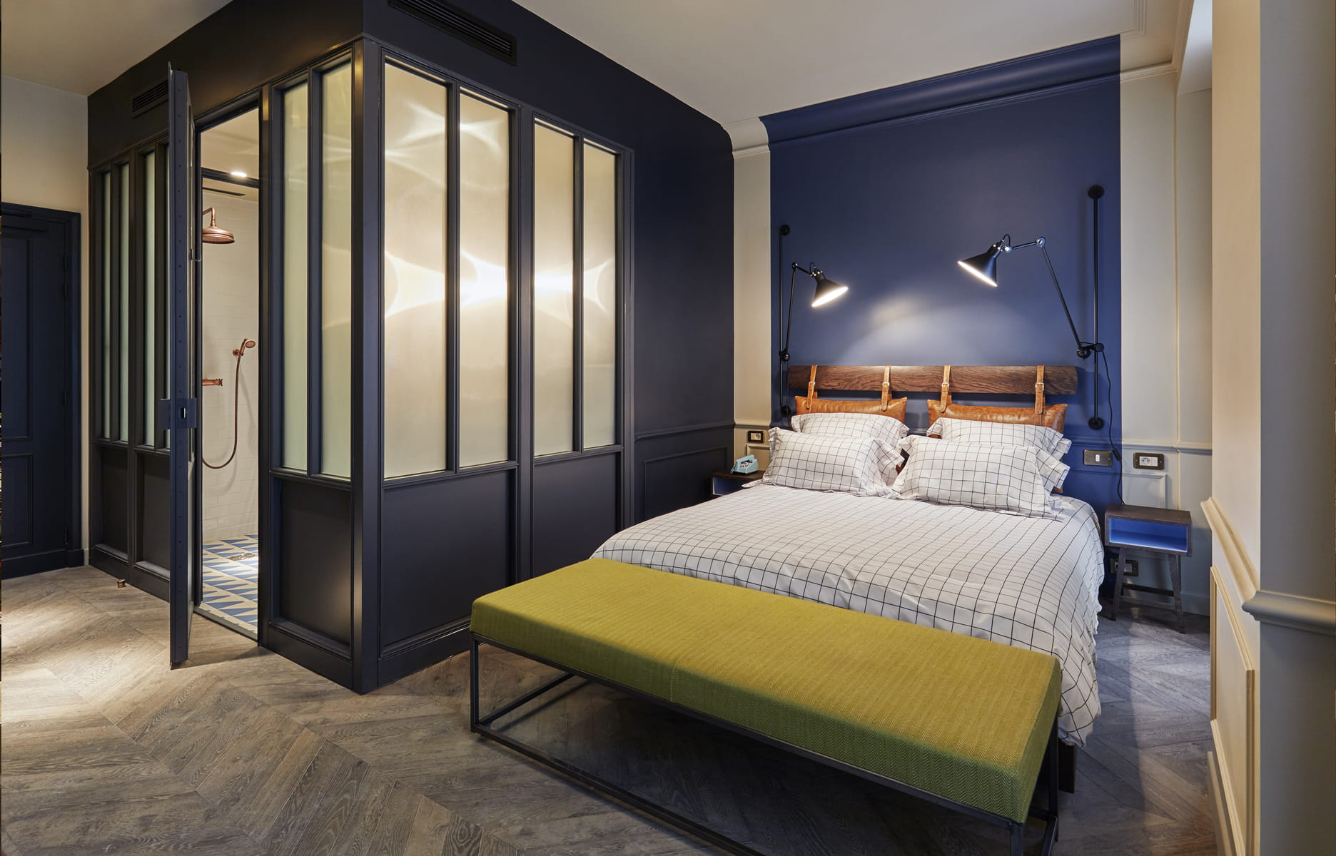 paris sharan pasricha ouvre un h tel the hoxton dans le silicon sentier. Black Bedroom Furniture Sets. Home Design Ideas