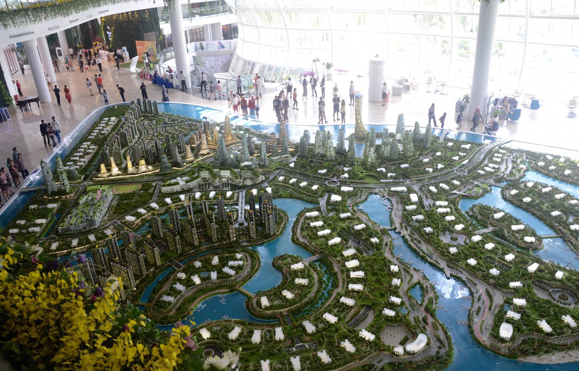 La Maquette De Forest City, Trônant Au Milieu Du Hall Du0027exposition, Montre